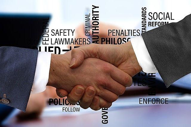 媒介契約には専属専任媒介、専任媒介、一般媒介の3種類があります。